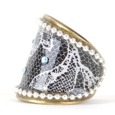 Klassieke ring blauw kristal