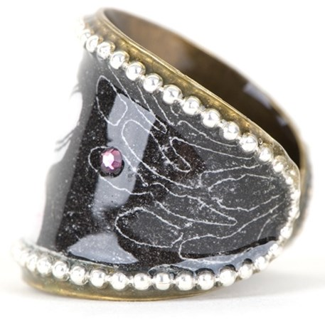 Handgemaakte ring met roze kristal