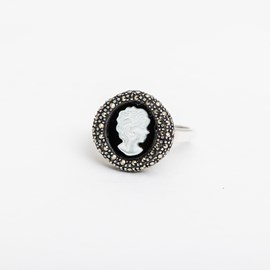 Ring Cameo