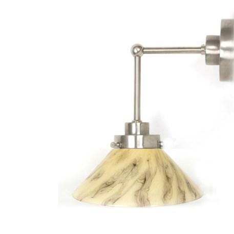 Wandlamp Cono met strak, matnikkel armatuur en extra verticale pendel en marmeren glaskap
